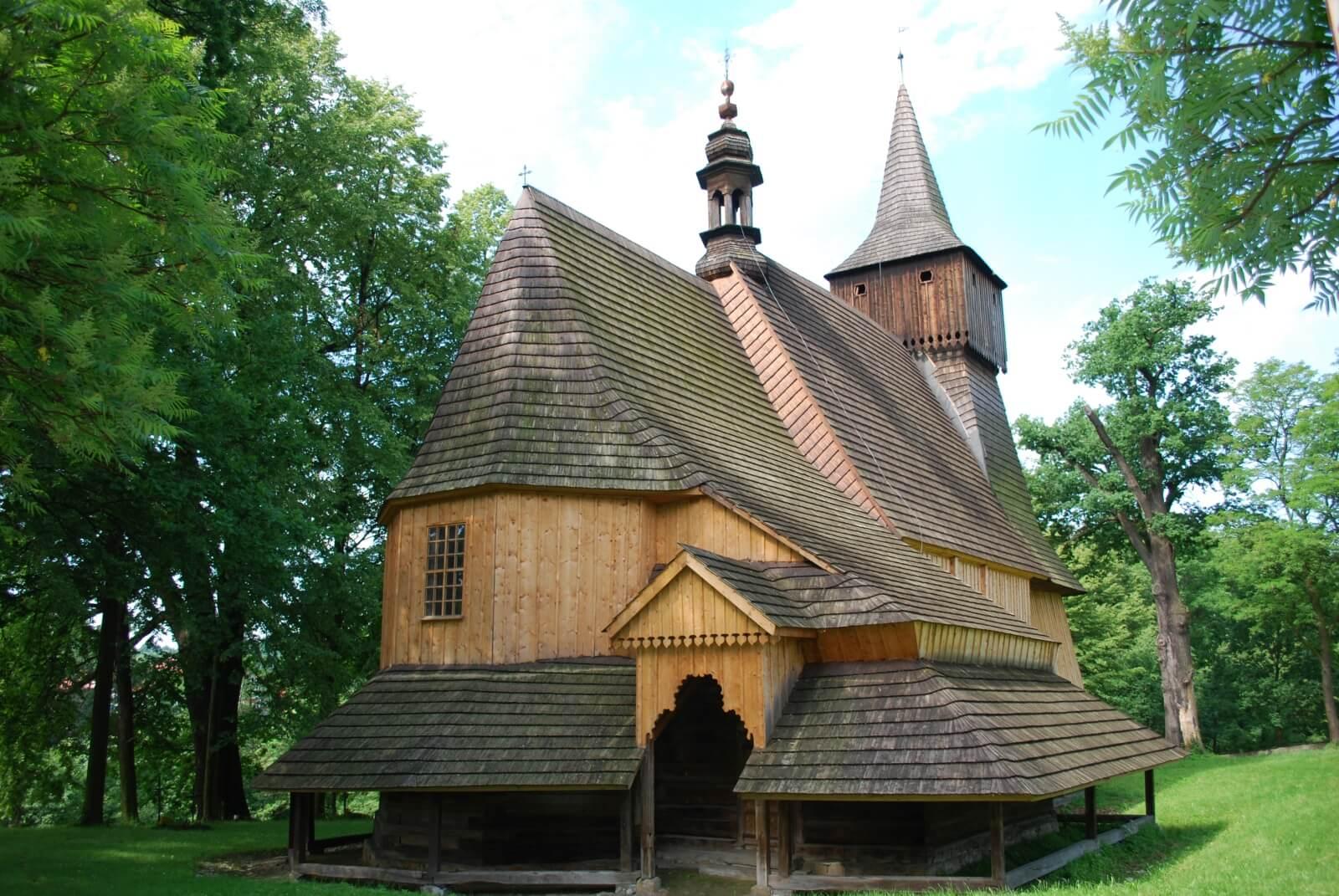 stary kościół w Osieku